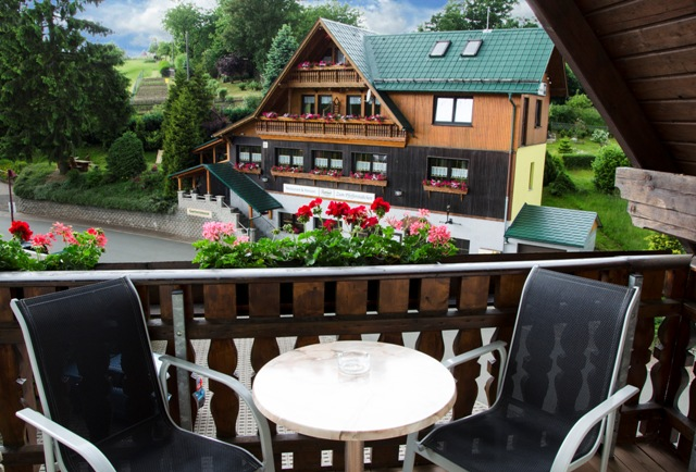 fewo-balkon-pfefferstuebchen-brotterode-pension-thueringen